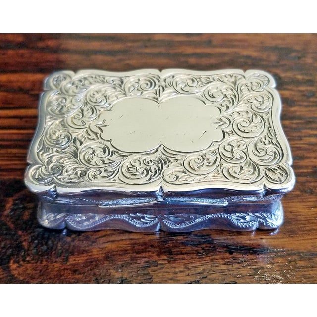 19c Sterling Silver Snuffbox Birmingham 1848 by Rolason Bros For Sale - Image 9 of 13