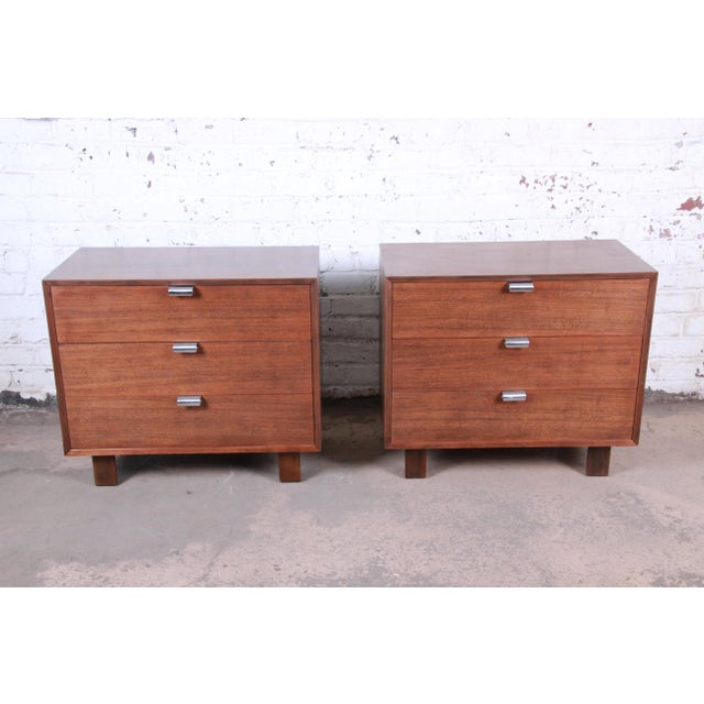 Mid-Century Modern George Nelson for Herman Miller Walnut Three-Drawer Bachelor Chests or Nightstands, Pair For Sale - Image 3 of 10