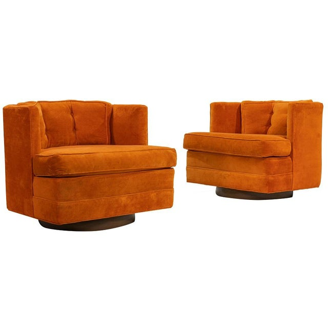 1960s Pair of Mid Century Modern Swivel Lounge Chairs For Sale - Image 5 of 5