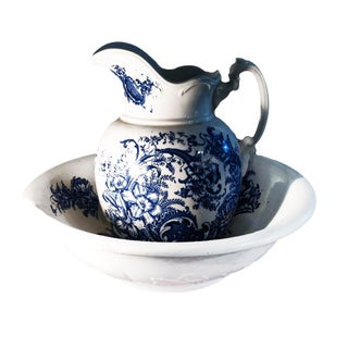 1890s Charles Meakin Style Ironstone Blue and White Transferware Pitcher and Basin For Sale
