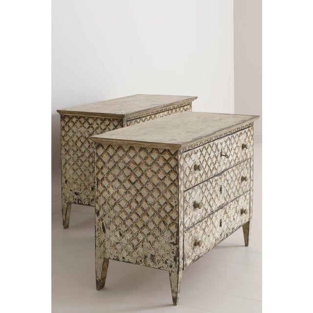 Gold Pair of Italian Neoclassical Style Crosshatch Painted Commodes For Sale - Image 8 of 12