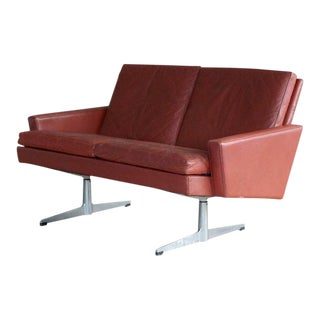Hans Wegner Style Danish 1960s Two-Seat Airport Sofa in Red Leather For Sale