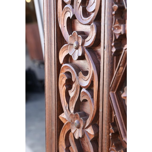 1880s Carved Solid Teak Wood Ceiling From Temple in Deccan For Sale - Image 4 of 11