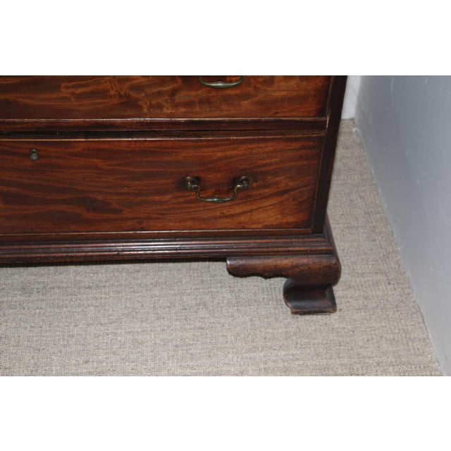 18th Century Georgian Mahogany Chest of Drawers For Sale - Image 4 of 11