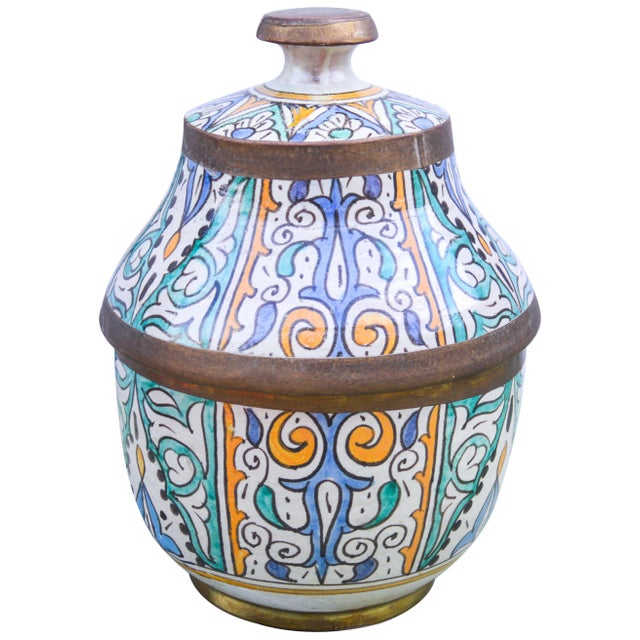 Moroccan Ceramic Lidded Bowl With Arabesque For Sale - Image 4 of 12