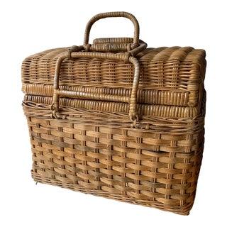 Vintage Traditional Picnic Basket For Sale