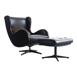Mid Century Modern Egg Style Lounge Chair and Ottoman - a Pair For Sale