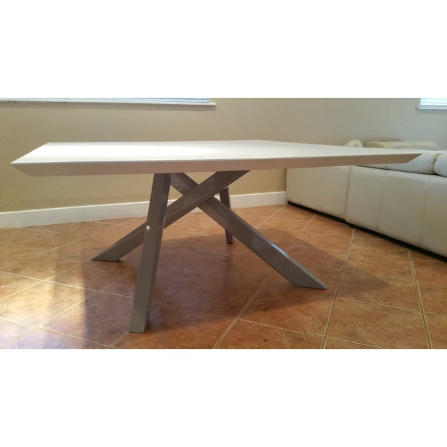 Contemporary White Lacquered Dining Table - Image 2 of 9