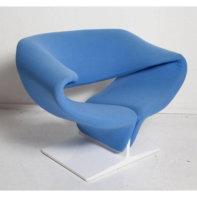 Vintage pair of 1960's Ribbon chairs by Pierre Paulin. They have freshly re-lacquered white wood bases and an earlier...