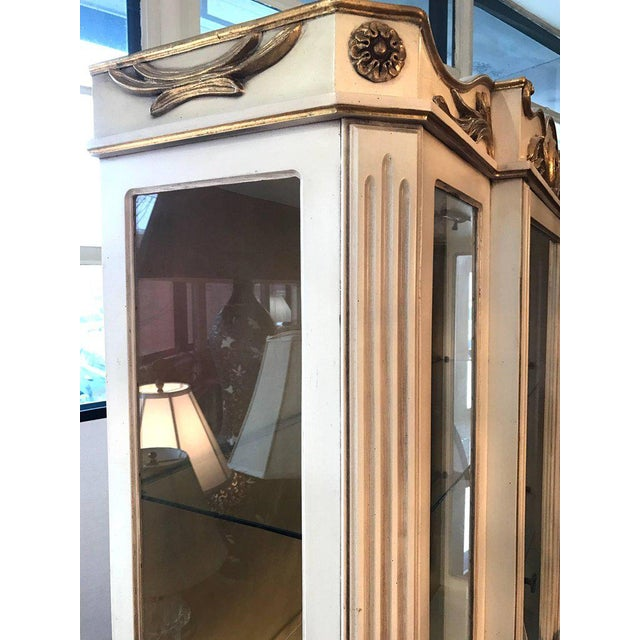 Italian Cream Painted and Gold Gilt Display China Cabinet Vitrine For Sale - Image 9 of 10