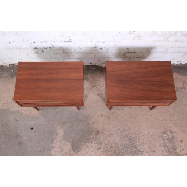 Mid-Century Modern Walnut Nightstands by West Michigan Furniture Co. - a Pair For Sale - Image 10 of 11