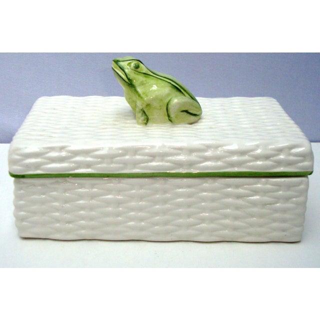 Italian Porcelain Ceramic Wicker Frog Box - Image 7 of 11