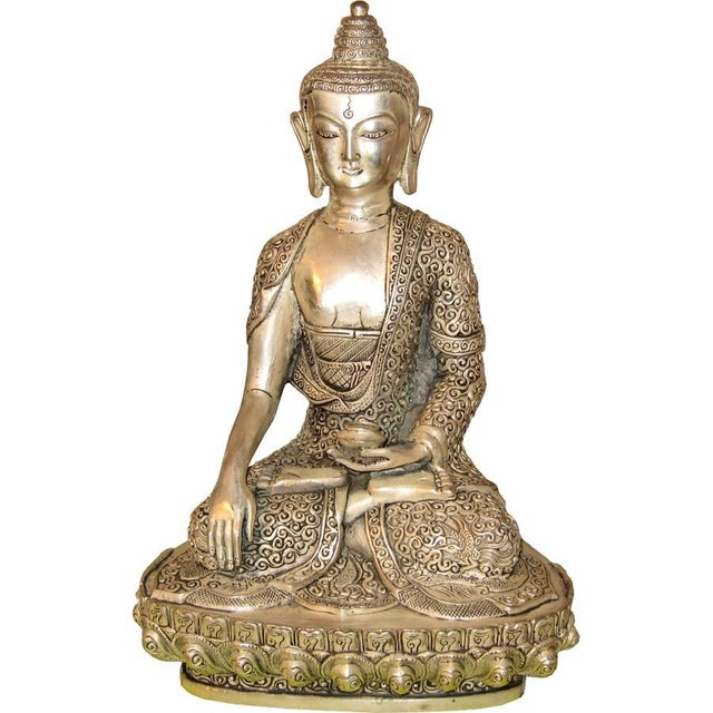 This Buddha Is Silver Plated and can be used indoors or outdoors. Bring the tranquility to your environment. Origin: China...