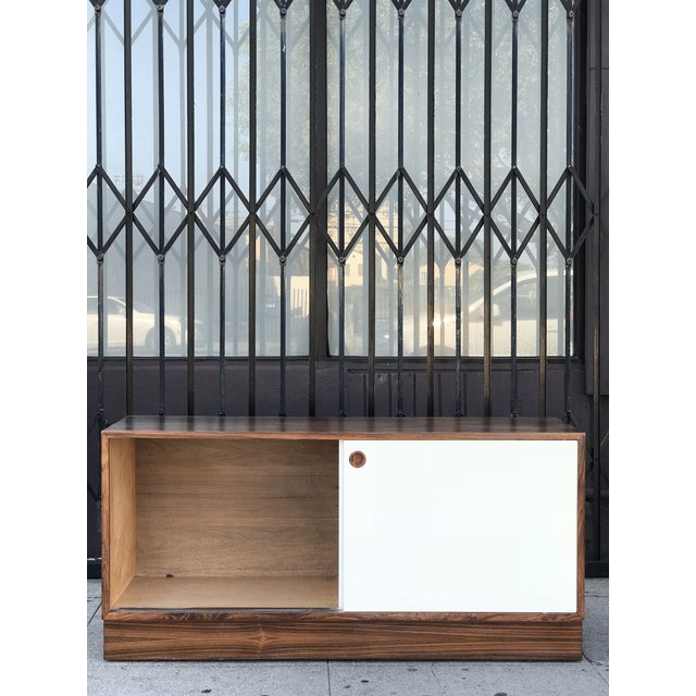 Mid-Century Modern Danish Media Console by Hundevad Denmark in Rosewood For Sale - Image 3 of 13