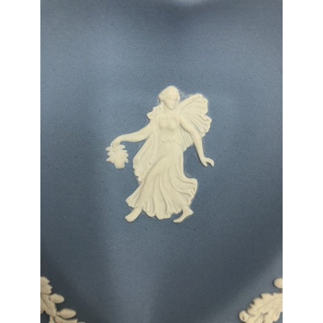 Wedgwood Jasperware Blue and White England Wedgewood Miniature Heart Flower Girl Tray Antique For Sale - Image 10 of 11