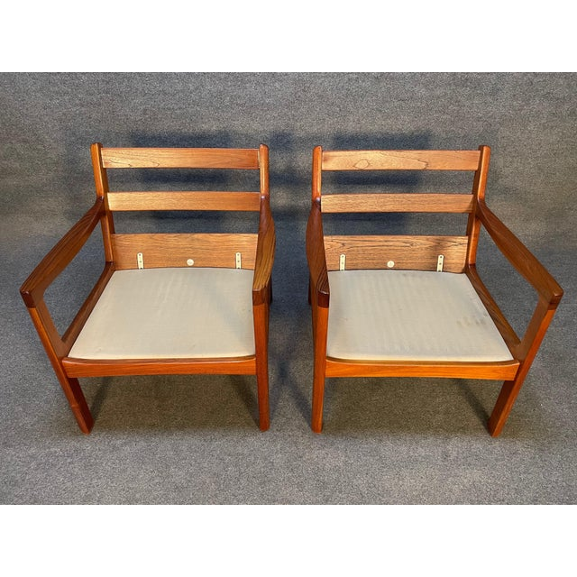 """Pair of Vintage Danish Mid Century Modern Teak and Leather """"Senator"""" Lounge Chairs by Ole Wanscher For Sale - Image 11 of 12"""