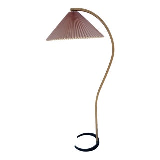 1970s Caprani Two-Toned Teak Bentwood Floor Lamp with Blush Pink Pleated Shade For Sale