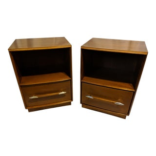 t.h. Robsjohn-Gibbings for Widdicomb Walnut Nightstands - a Pair For Sale