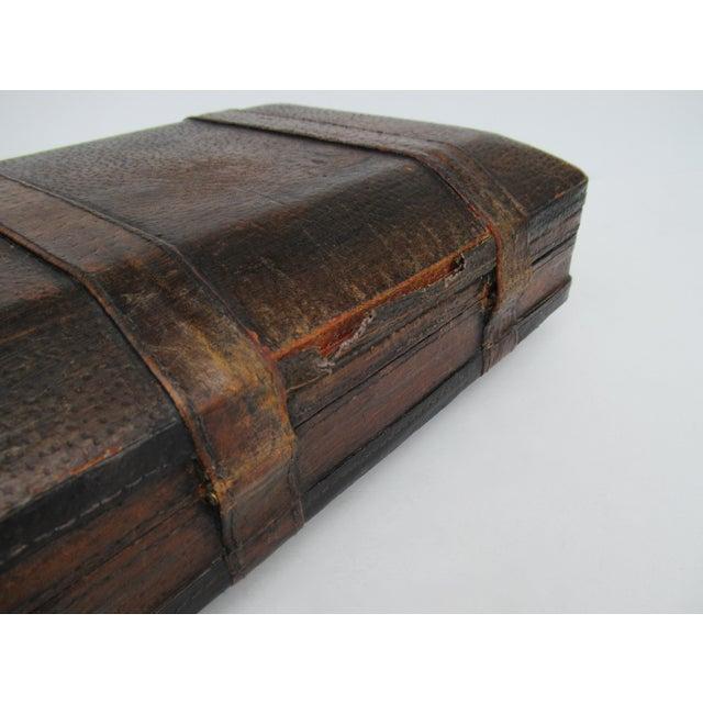 Vintage Italian Tooled Leather Gentlemen's Traveling Hand-Held, Lidded Valet Box For Sale - Image 12 of 13