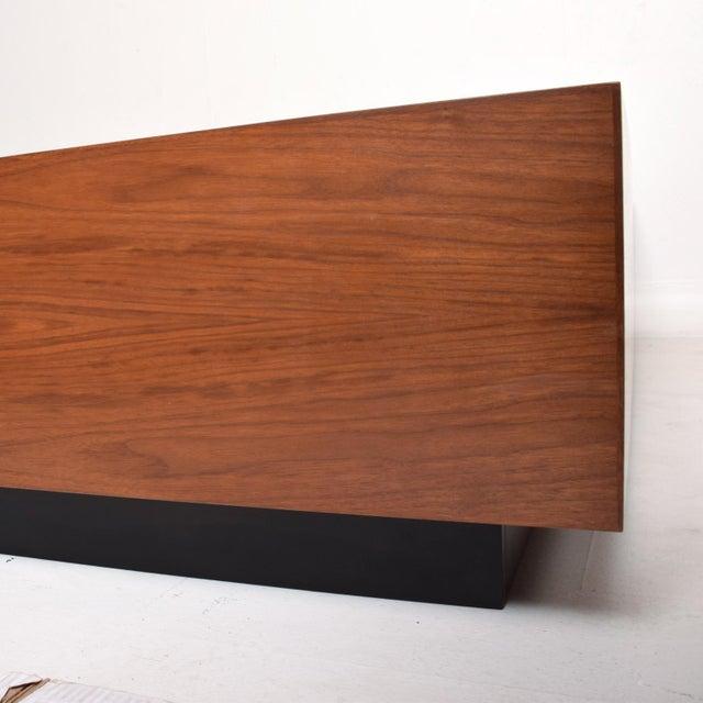2010s Pablo Romo for Ambianic Custom Bed Frame Cal King Walnut Platform Frame For Sale - Image 5 of 9