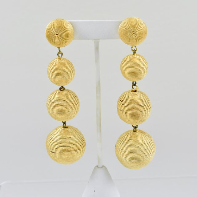 1980s Dancing Disco Oversized Dangling Yellow Thread Pierced Earrings For Sale In Atlanta - Image 6 of 6