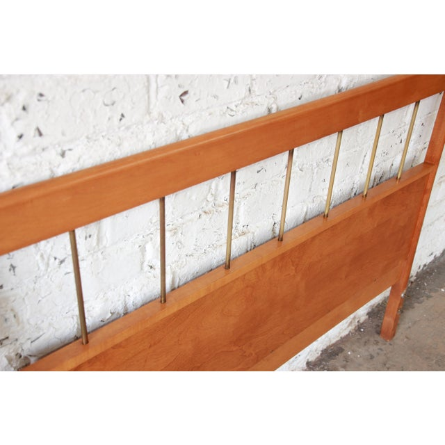"Winchendon Furniture ""Planner Group"" Paul McCobb Planner Group Birch Full Size Headboard For Sale - Image 4 of 7"