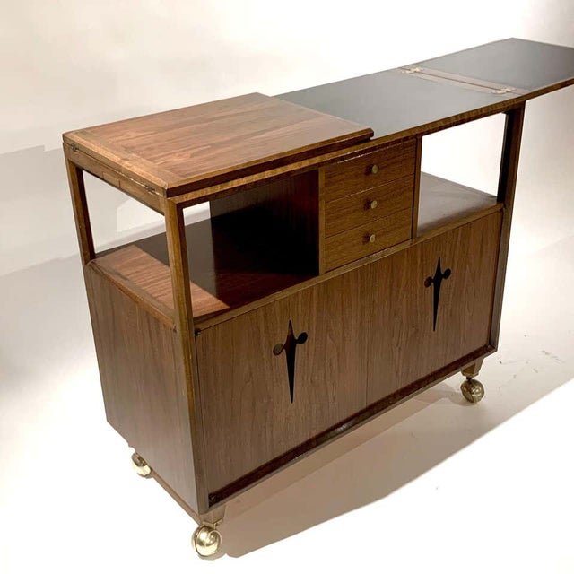 Mid 20th Century Rolling Convertible Walnut Edmond J. Spence Flip Top Bar or Serving Cart Buffet For Sale - Image 5 of 13