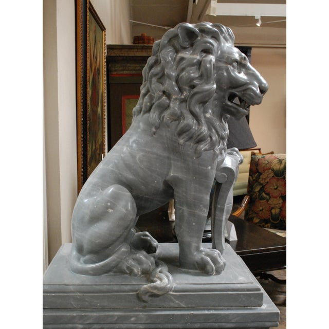 Early 20th Century Italian Carved Marble Lions, circa 1900 For Sale - Image 5 of 7