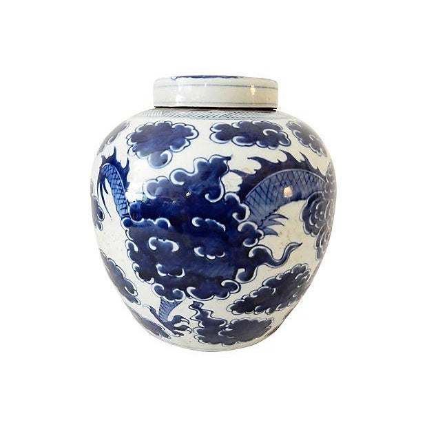 Blue & White Ginger Jar w/ Dragon For Sale In New York - Image 6 of 9