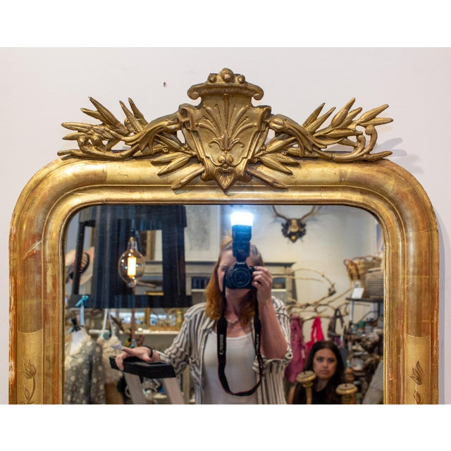 19th Century Antique French Gilt Louis Philippe Mirror With Ornate Cartouche and Floral Frame For Sale - Image 5 of 13
