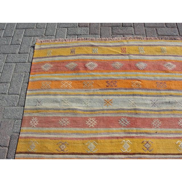 """Vintage Turkish Kilim Rug - 5'2"""" x 8'3"""" - Image 4 of 11"""