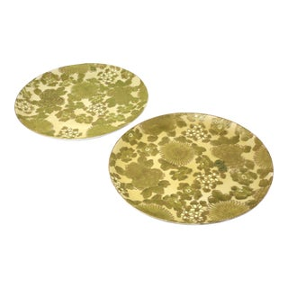 Vintage Dorothy Thorpe Green and Gold Chrysanthemum Dinner Plates - a Pair For Sale