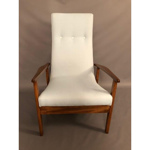Mid-Century Highback Lounge Chair For Sale In New York - Image 6 of 12