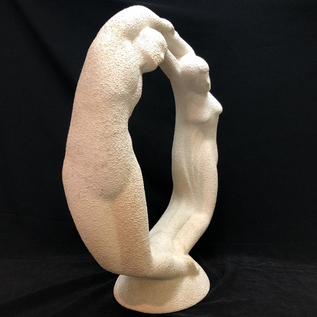 "Vintage Textured Haeger Eternity ""Circle of Love"" Statue For Sale In Houston - Image 6 of 10"