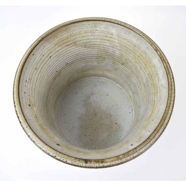 Tan Vintage Alan Vigland Mid Century Modern Studio Pottery Vase For Sale - Image 8 of 11