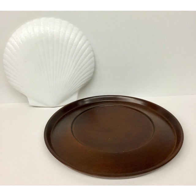 1960s 1960s Mid-Century Modern Solid Wood Serving Platter With Clam Shaped Plate - 2 Pieces For Sale - Image 5 of 10