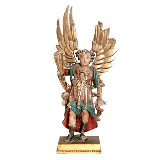 Early 19th Century Italian Carved Gilt Wood Angel For Sale