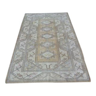 1960s Vintage Turkish Oushak Hand-Knotted Rug - 4′ × 6′8″ For Sale