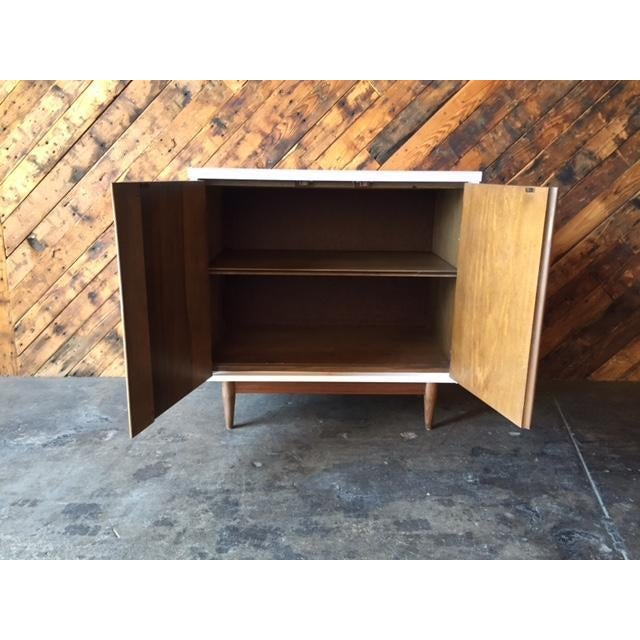 Mid Century Refinished Walnut Lacquered Bar Record Cabinet - Image 5 of 6