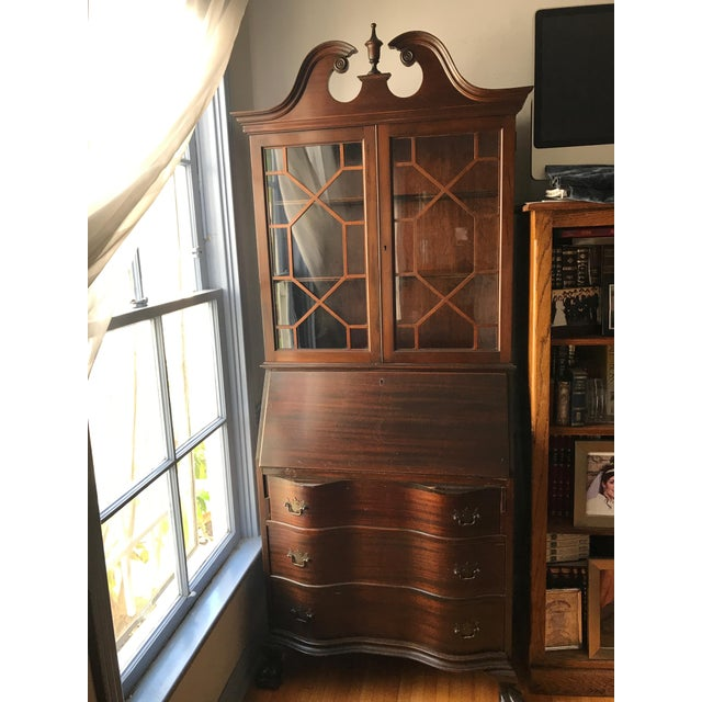 Mahagony wood queen Ann secretary with pull down Desk . Mail compartments and small drawers and door inside desk. 3 big...