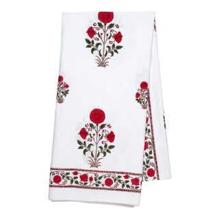 Amaya Tablecloth, 6-seat table - Red For Sale