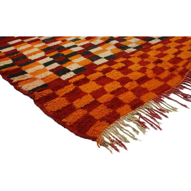 "Abstract Vintage Berber Moroccan Rug - 4' 9"" X 5' 3"" For Sale - Image 3 of 3"