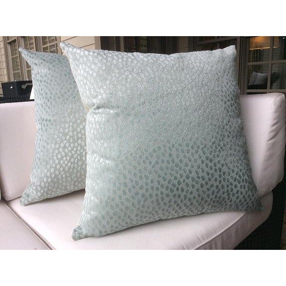"""Thibaut Thibaut Anna French """"Spot On"""" Blue Pillows - a Pair For Sale - Image 4 of 4"""