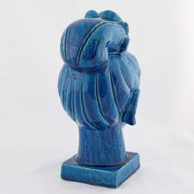 "Ceramic ""Rimini Blu"" ceramic Guan Yin bust by Aldo Londi for Bitossi, circa 1960s For Sale - Image 7 of 13"