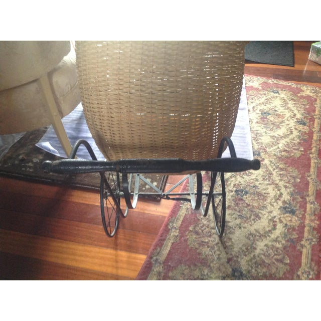 Early 1900's Victorian Baby Wicker Buggy For Sale - Image 9 of 10