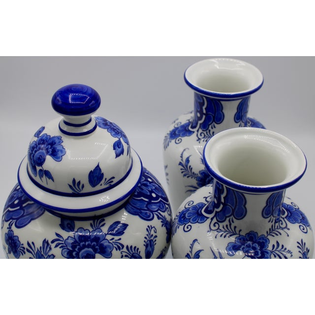 Mid-20th Century Blue and White Floral Dutch Delft Ginger Jar and Vase Set For Sale - Image 6 of 13