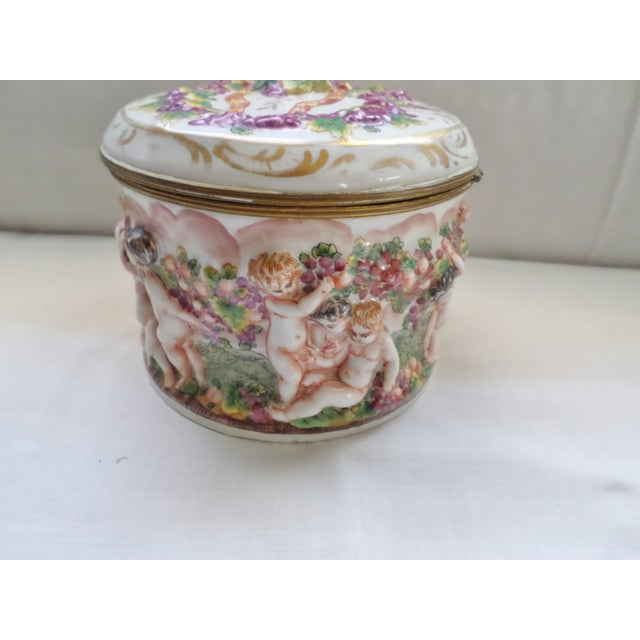 Shabby Chic Early 19th Century Antique Signed Capodimonte Italian Hinged Box For Sale - Image 3 of 10