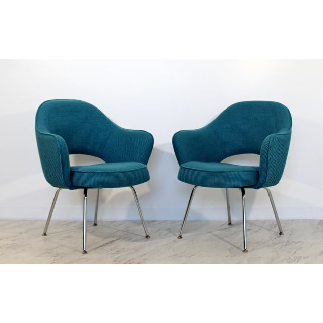Textile Mid Century Modern Saarinen Knoll Sculptural Executive Office Chairs 1960s - A Pair For Sale - Image 7 of 7