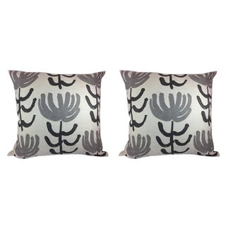 William Yeoward for Designer's Guild Pillows - a Pair For Sale