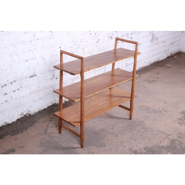Contemporary Robsjohn-Gibbings for Widdicomb Mid-Century Modern Maple and Brass Bookcase For Sale - Image 3 of 10